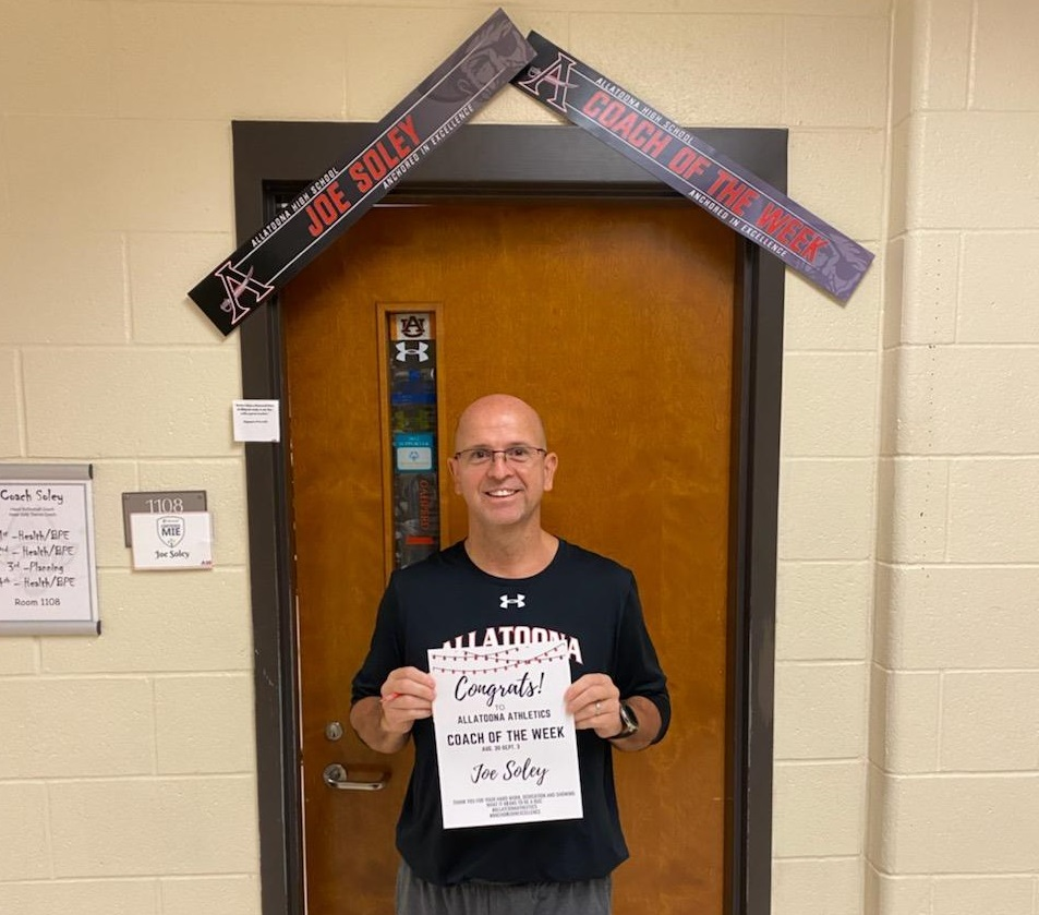 Read more about the article Volleyball and Girls Tennis' Joe Soley named coach of the week
